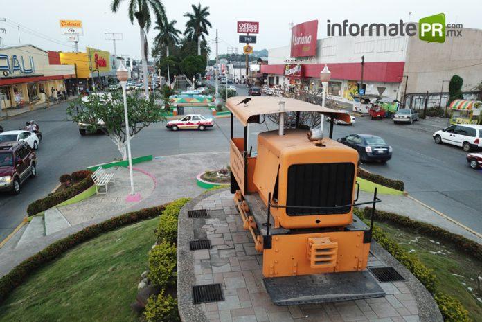 Maquinita Cobos- Furbero en Poza Rica (Foto: Jorge Huerta E.)