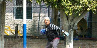 Santos Reyes Cabrera, en un juego entre periodistas de Poza Rica (Foto: Jorge Huerta E.)