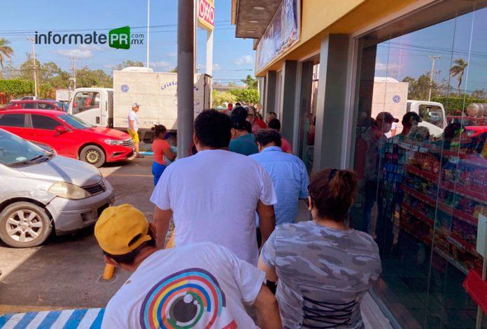 Compras de pánico provocó la falta de energía eléctrica, sobre de todo se tornó desesperada la compra de hielo por las altas temperaturas para la conservación de perecederos (Foto: Jorge Huerta E.)
