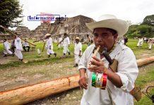 Ceremonia del corte, arrastre y siembra del palo volador (Foto: Jorge Huerta E.)