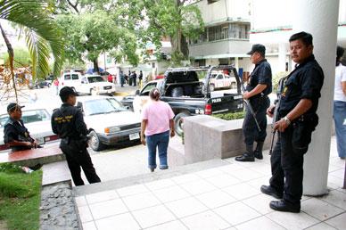 Extreman vigilancia en el CERESO de Poza Rica (Foto: Jorge Huerta E.)
